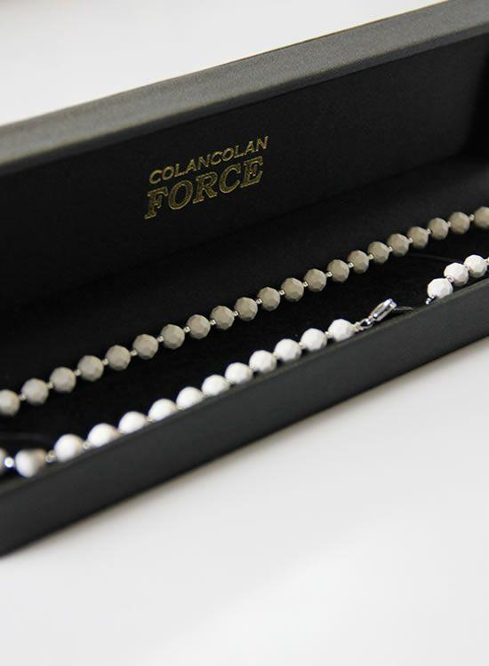 コランコランFORCE2(フォースツー)ネックレス 箱入りホワイト
