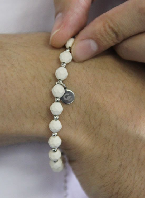 コランコランFORCE2(フォースツー)ブレスレット 着用イメージ ホワイト